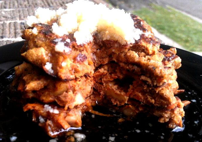 Paleo Carrot Cake Pancakes