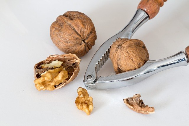 Paleo Diet Nuts - Be Careful