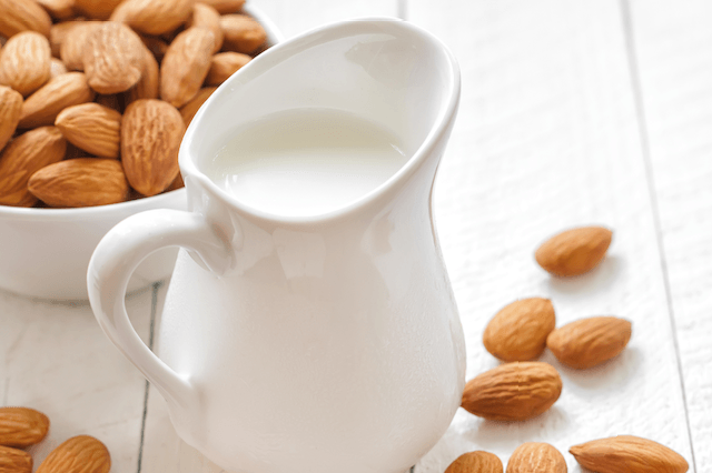 Paleo Food - Almond Milk